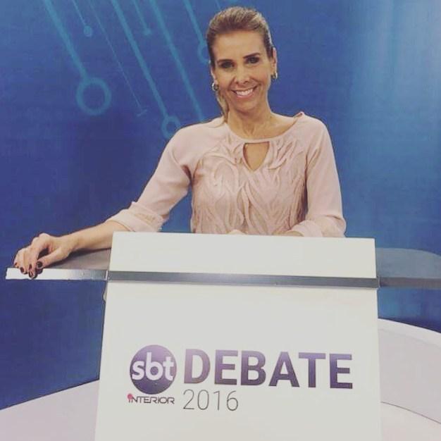 Jornalista Andréa Mello, mediadora do Debate pelo SBT Interior