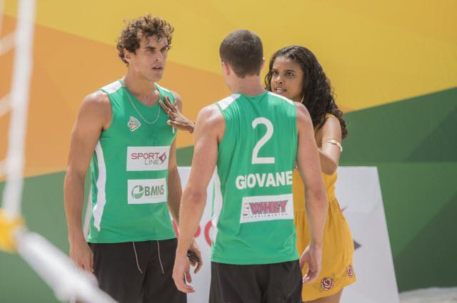 Gabriel ( Felipe Roque ), Joana ( Aline Dias ) e Giovane ( Ricardo Vianna ).