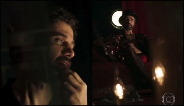 Samuel (Eriberto Leão) passa batom e usa lingerie, em O Outro Lado do Paraíso