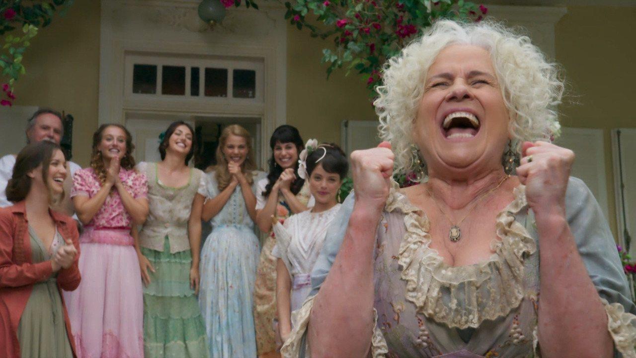 Veterana dá show na pele de divertida matriarca (Divulgação/TV Globo)