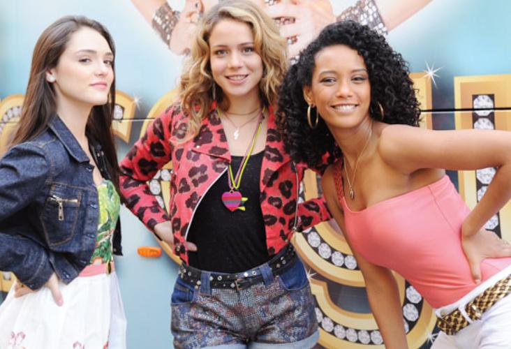 Cida (Isabelle Drummond), Rosario (Leandra Leal) e Penha (Tais Araujo) de Cheias de Charme