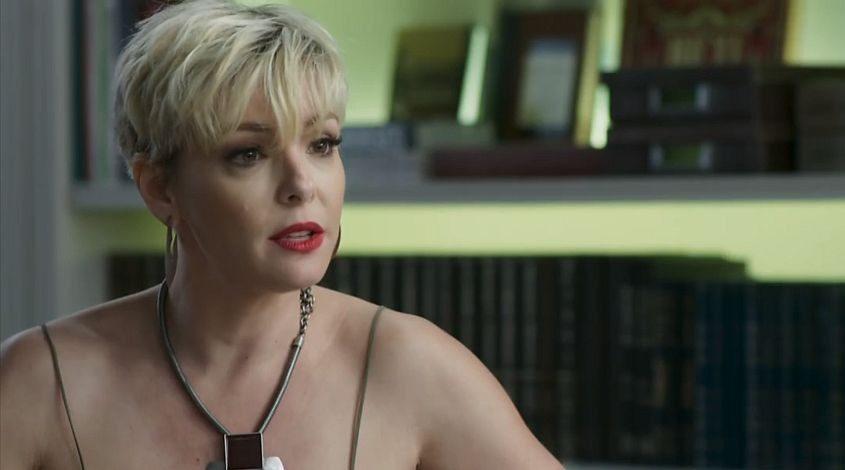 Mariacarla (Regiane Alves) em o Tempo Não Para