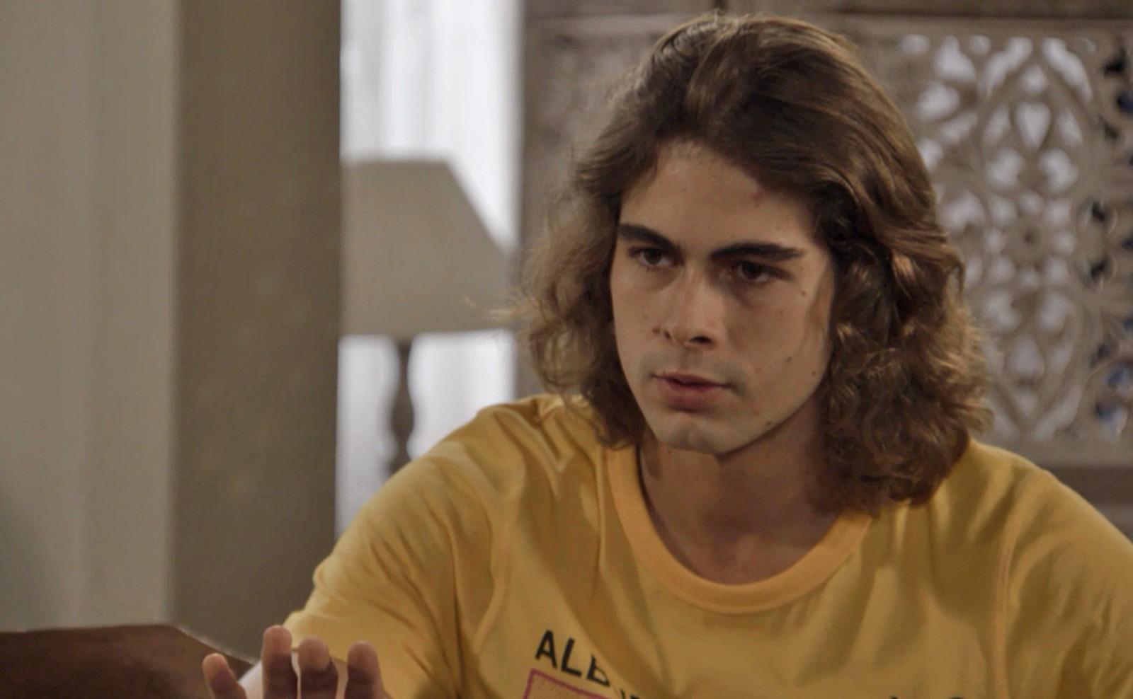João (Rafael Vitti) em Verão 90