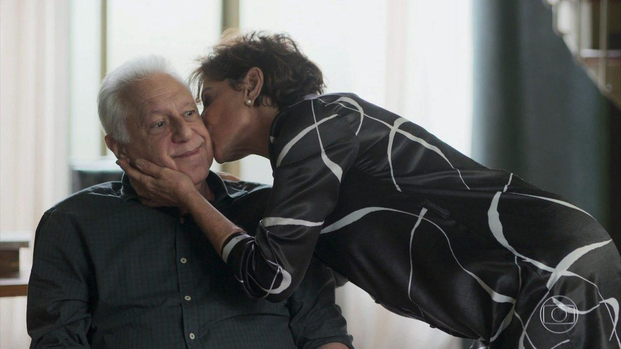 Alberto (Antonio Fagundes) e Vera (Ângela Vieira) em Bom Sucesso