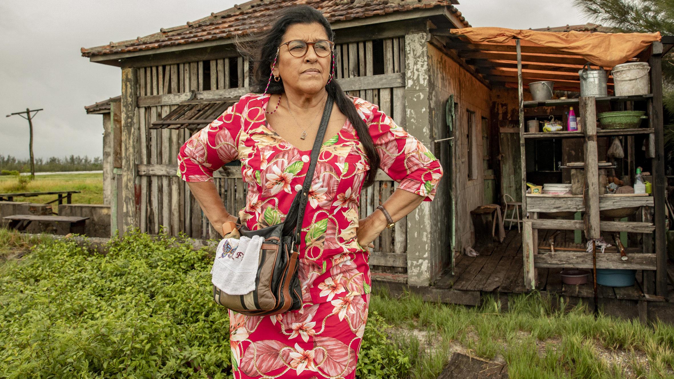 """Regina Casé comenta retorno das gravações de Amor de Mãe: """"Medo"""""""