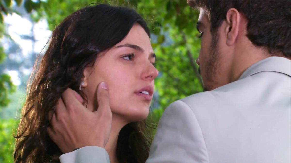 """Edgar encontra Marcela e se declara: """"Eu não vou te abandonar"""""""