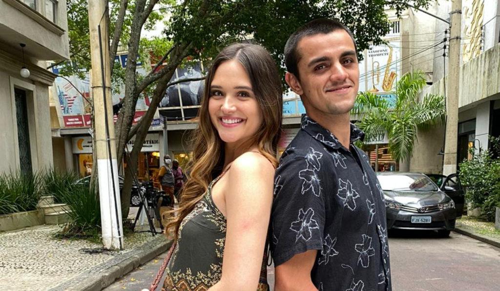 Luna (Juliana Paiva) e Téo (Felipe Simas) de Salve-se Quem Puder (Divulgação)