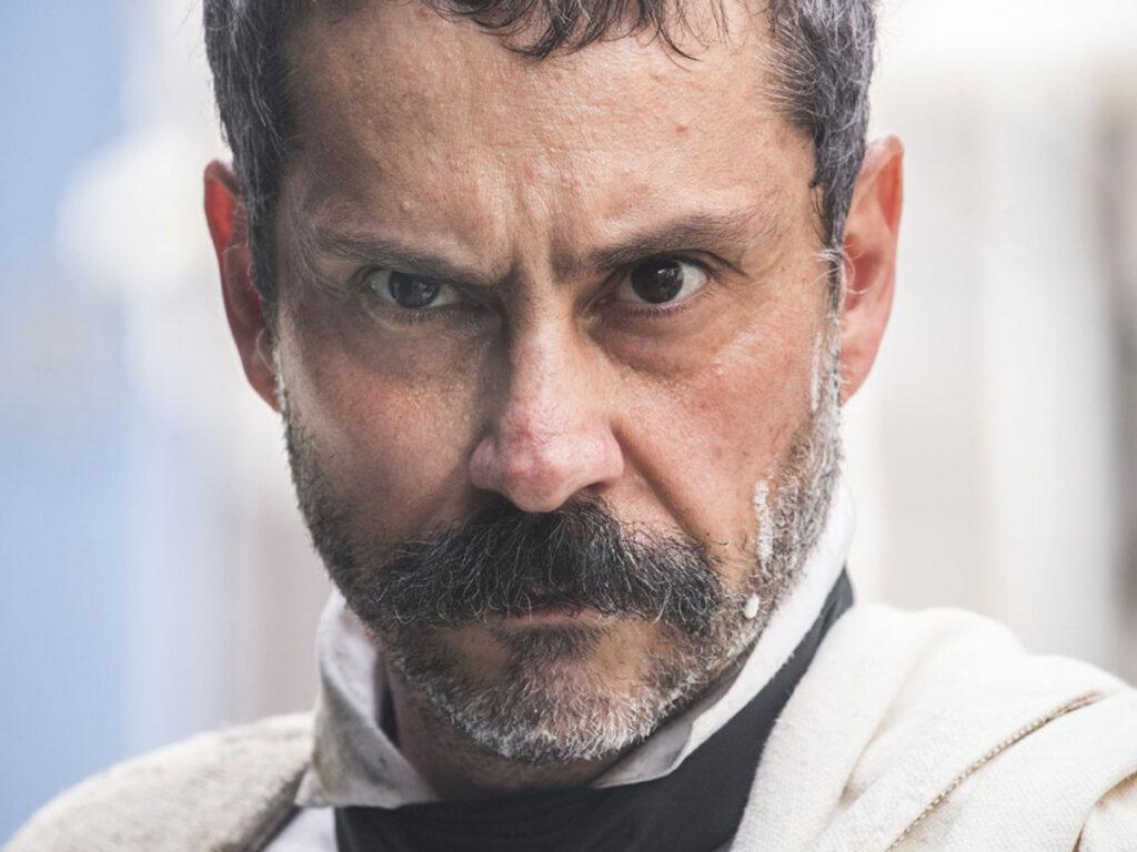 Tonico (Alexandre Nero) em Nos Tempos do Imperador (Reprodução/Globo)