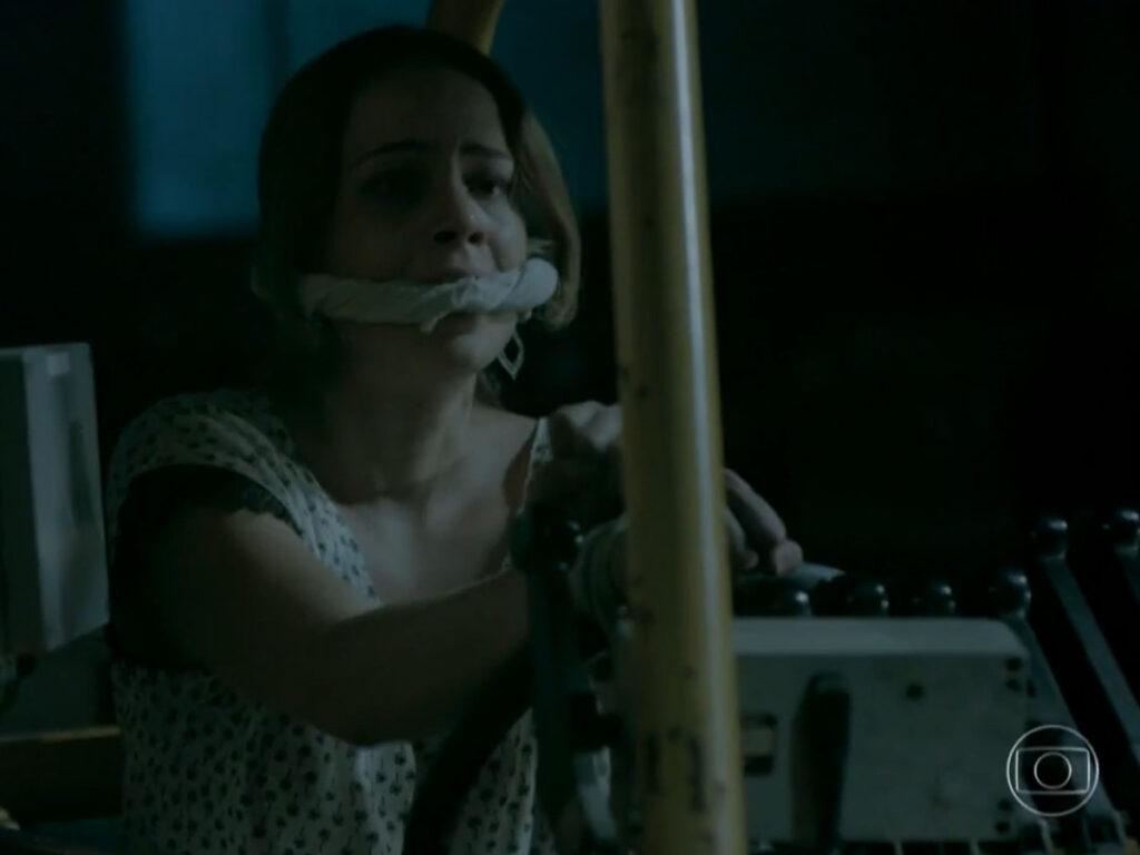 José Pedro ameaça matar Cristina em Império (Reprodução - Globo)